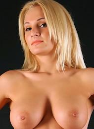 Sexy Blonde Jessica Has Undoubtedly Juicy And Impressive Curves^av Erotica Erotic Ero Free